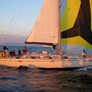 Noleggio barca vela con skipper toscana all 39 isola d 39 elba for Cabine di giglio selvatico